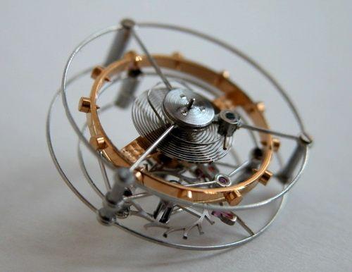 Часы с турбийоном (Tourbillon)  Часы, имеющие турбийон – доступны не каждому  Часовой механизм – это одно из величайших открытий человечество, так как при помощи самых разных конструкций удалось, в итоге, если и не подчинить, то превратить в наиболее осязаемую и понятную такую таинственную стихию как время. И с того момента, как изобрели часы, сразу же началась так называемая гонка вооружений, у которой имелась задача свести погрешности в измерениях времени к самому минимуму.  Если говорить…