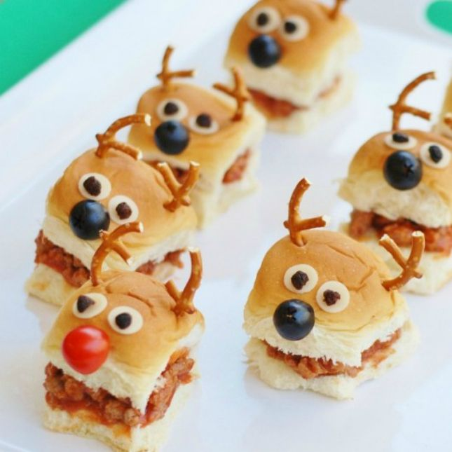 15 Christmas Party Foods That Are Easy to Ho-Ho-Hold