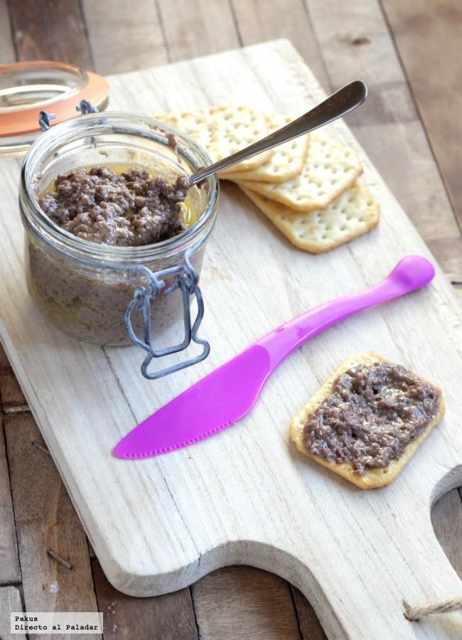 Deliciosa receta de paté suave de morcilla, idóneo para el aperitivo, con fotos paso a paso de su elaboración. Trucos para hacer paté de morcil...