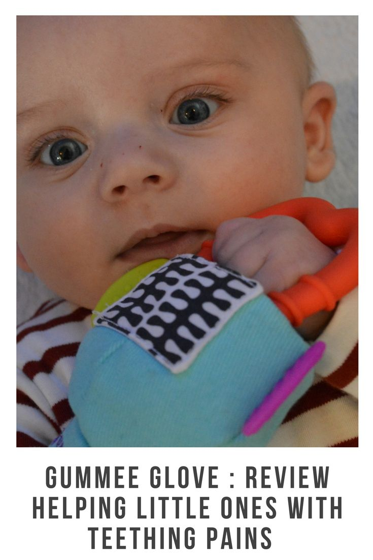 Gumme are known for their amazing teething products and the Gummee Glove is no different. For children aged 3-6 months #teething #teethingsolutions #reducepain #teether #teethingmitten