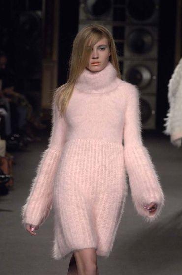 palest pink angora...Ready to wear fall winter 2006/07.JUNKO SHIMADA.Paris March 2006