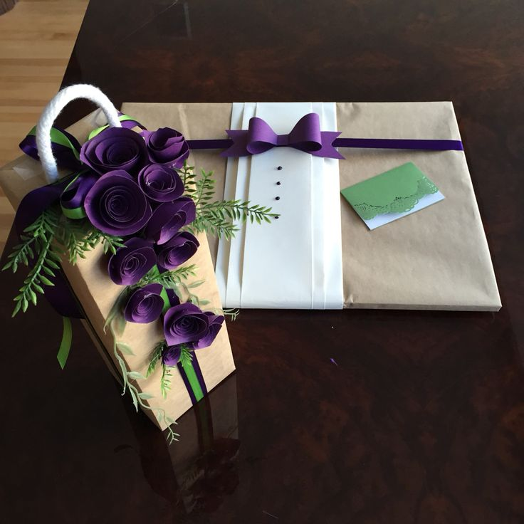 Gift wrapping paper flower tuxedo bow