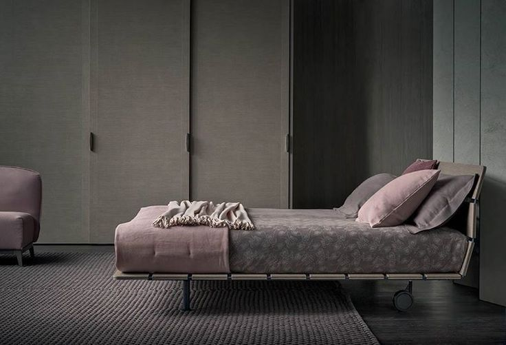 "Atmosfera elegante e sofisticata per esprimere la propria visione glamour della camera da letto  --- An elegant sophisticated atmosphere that expresses a personal glamorous vision of the bedroom  [Letto matrimoniale / Double Bed ""Tadao"" by Vico Magistretti]"