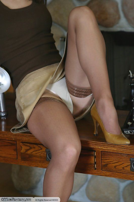 Work of lisa pantyhose run