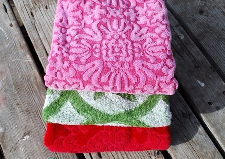 10 Practical Ways to Reuse Old Towels |Sustainable Products | Planet Forward Sustainable products http://planetforward.ca/blog/10-practical-ways-to-reuse-old-towels/