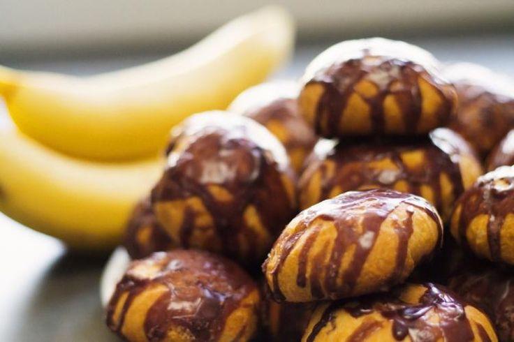 Drożdżowe bułeczki z bananami