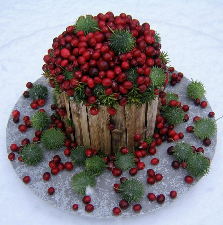 Kerst | bloemschikken in taartvorm met o.a. cranberries