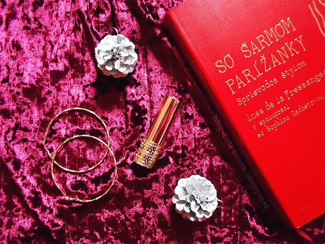 Rúž na pery Giordani Gold Jewel #oriflame #beauty #beautyreview #velvet #makeup #cosmetics #body #beautyblogger #lipstick #gold #retro #vintage #giordanigold