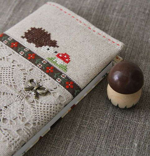 Cross stitching Book Cover Hedgehog Fly Agaric Fall / Kreuzstich Buch Igel Fliegenpilz Herbst