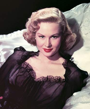 Virginia Mayo as Marie Derry in William Wylers The Best