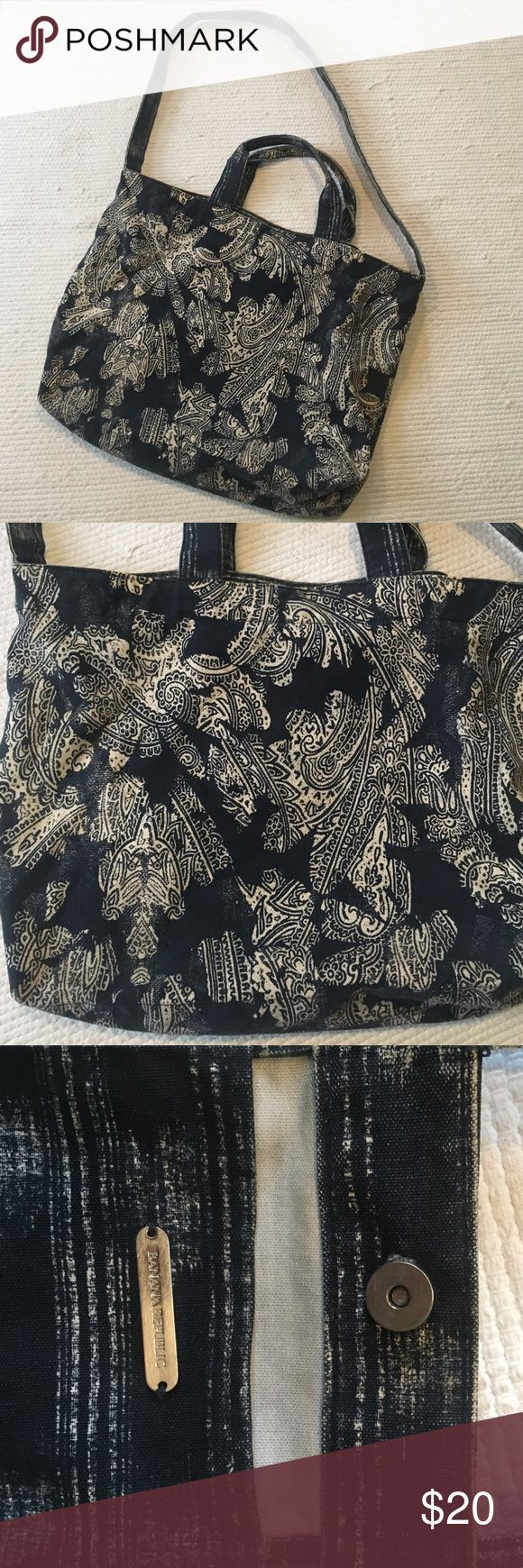 bananna republic canvas/ denim bag Great beach bag or school bag. Gently used in great condition. Make me an offer! Banana Republic Bags Totes