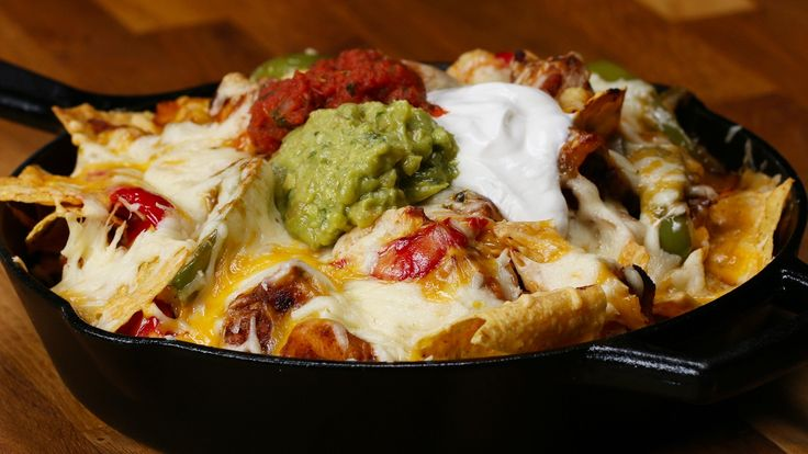 Here is what you'll need! Chicken Fajita Nachos INGREDIENTS 3 boneless, skinless chicken breasts, cubed 2 teaspoons salt 1 teaspoon pepper 2 teaspoons chili ...