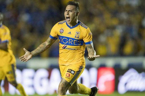 Eduardo Vargas, atacante de los Tigres de la UANL, se ha llevado la mención individual como el jugador más destacado de la Jornada 7 del Torneo Apertura 2017.