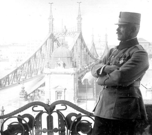 1919 – Romanian General Panaitescu in Budapest, Hungary.
