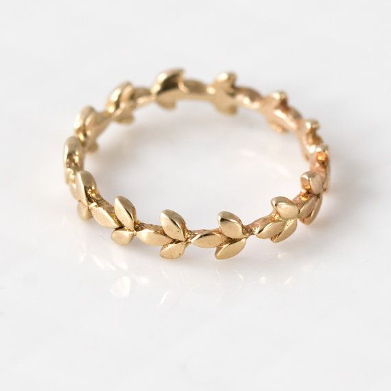 Vine Wedding Band in 14k Gold // 14k Gold Vine Wedding Ring // Intricate Organic Leaf Eternity Ring Design in 14k Gold