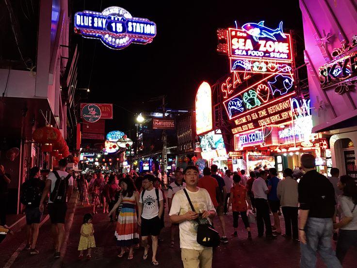 Walking street, Pattaya. -PJ