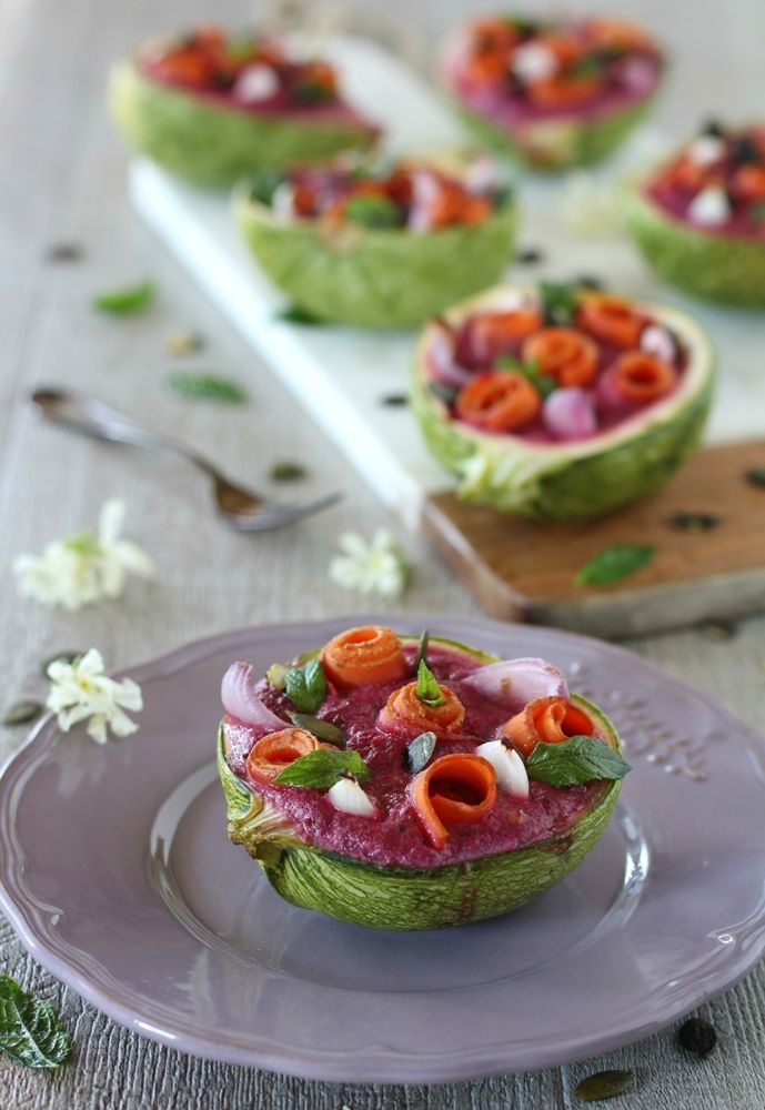 Zucchine ripiene veggie con tofu e barbabietola.     Facili, veloci, sane e bellissime!  #glutenfree #lactosefree