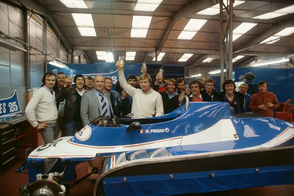 Francouzské Formula One řidič Didier Pironi oslavuje vítězství v ... News FOTOGRAFIE   Getty Images