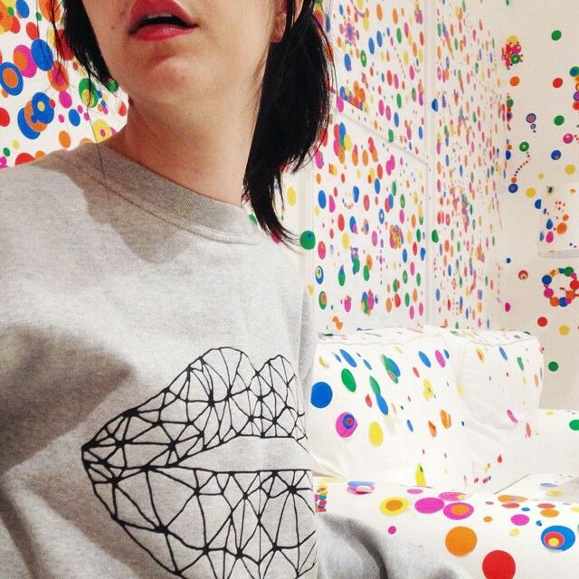 "Geometric in the YAYOI KUSAMA house at @davidzwirner gallery ""Give me Love"" ❤❤ www.etsy.com/shop/faubourgxoxo   #jamaissansrougealevres #jsral #newyork #fun #lips #love #cool #makeupaddict #style #art #paris"