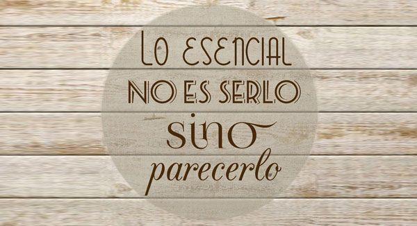 En #comunicacion... 'Lo esencial no es serlo sino parecerlo'. http://graciacalleja.com/5-razones-para-empezar-comunicar/