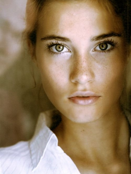 : Girl, Faces, Makeup, Beautiful, Freckles, Hair, Natural Beauty, Eyes