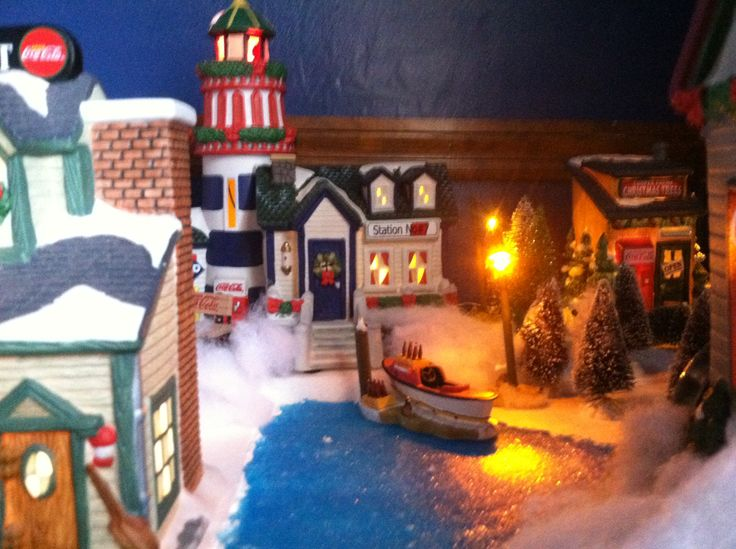 48 best images about coca cola town square christmas snow for Best christmas towns on east coast