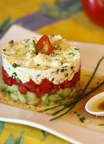 Tartare de concombre, tomates et feta