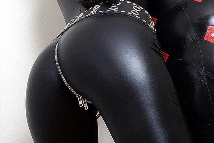 Сексуальные кожаные штаны дали в попу видео онлайн — 1
