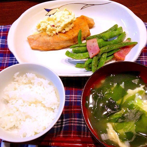 鮭のムニエル、卵スープ - 2件のもぐもぐ - 鮭のムニエル(タルタルソース)、わかめスープ by arika38k