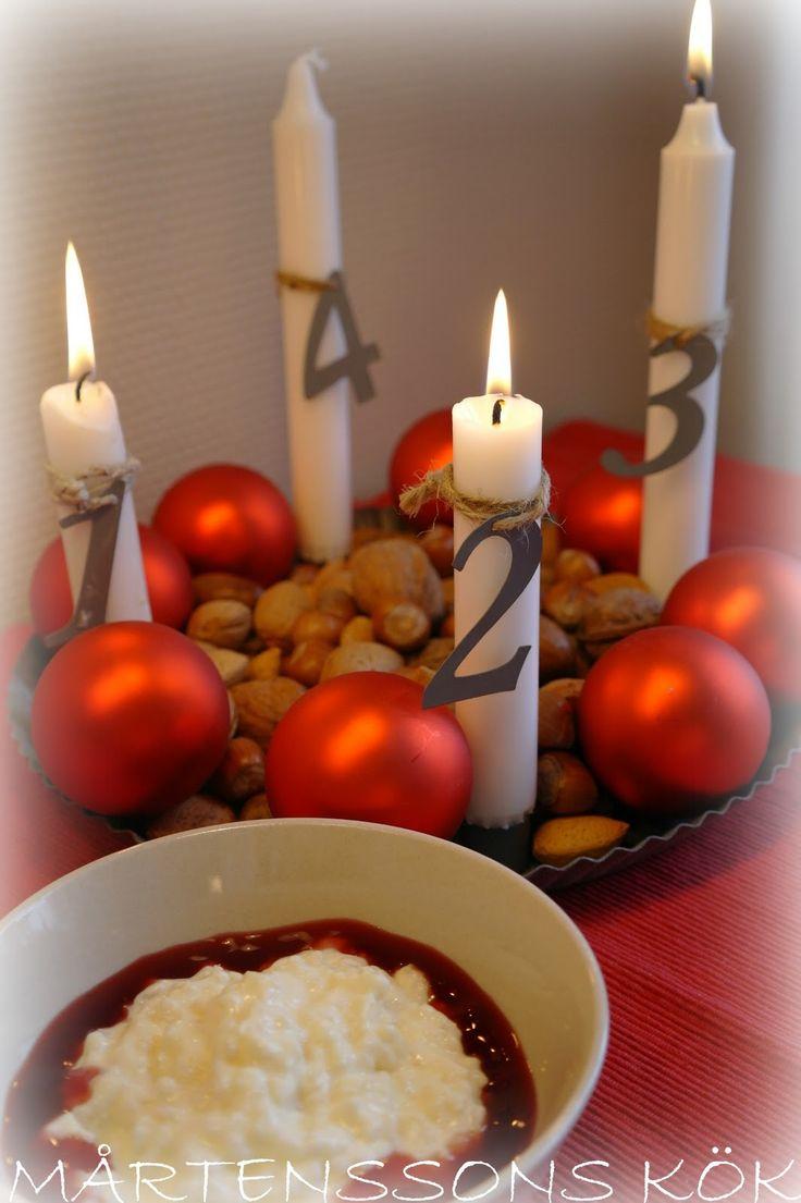 MÅRTENSSONS KÖK: Tomtegröt i potten och en högt uppsatt ängel.