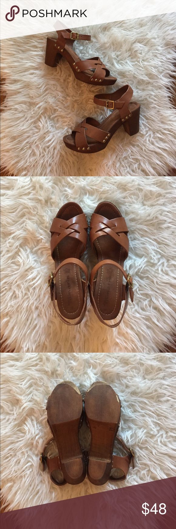 Heeled wooden clog sandals 70s style Like new!  Made in Italy by Tamaris (tagged as Hasbeens for exposure). Marked size 39...fit like an 8. Swedish Hasbeens Shoes Mules & Clogs