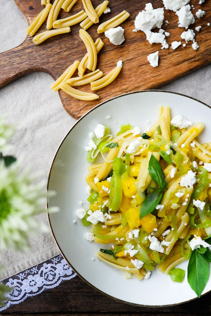 Mango Lauch Pasta mit Feta und Basilikum   – ❤️ Blogger Rezepte, die wir lieben