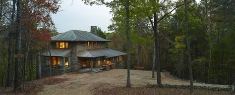 The proximity to the Cahaba River in Alabama influenced the design of this two-story cottage.