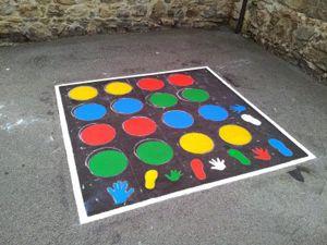 Extraído de: Pinta tu patio para jugar, con nuestras propuestas de Juegos tradicionales. BY ACRBIO • 5 ABRIL, 2015 Al hablar de juegos tradicionales nos referimos a aquellos juegos que, desde...