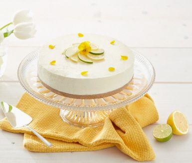 En frisk och fräsch cheesecake med smak av lime och citron. Saft och skal från både lime och citron blandas i fyllningen och kexen i botten blandas med kokosflingor för en extra twist. En given hit på fikabordet!