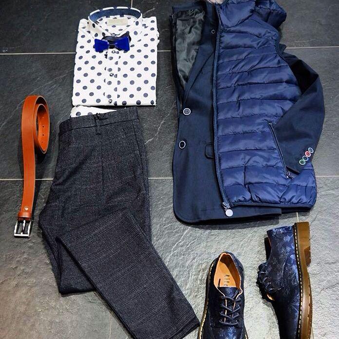 σακάκι              89€ αμάνικο            59€ παπούτσια       69€ πουκάμισο       93€ παντελόνι        119€ παπιγιόν           29€