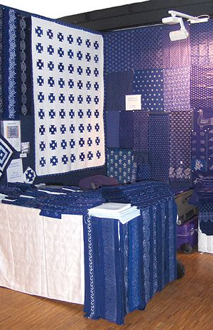 Kekfesto Cotton: Hand-dyed blue print fabrics from Hungary