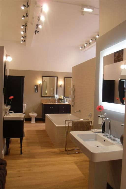 Best 25 bathroom showrooms ideas on pinterest showroom - Bathroom design showroom dallas tx ...