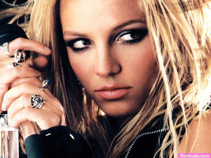 Britney Spears: I love her, and I think she is so beautiful!.