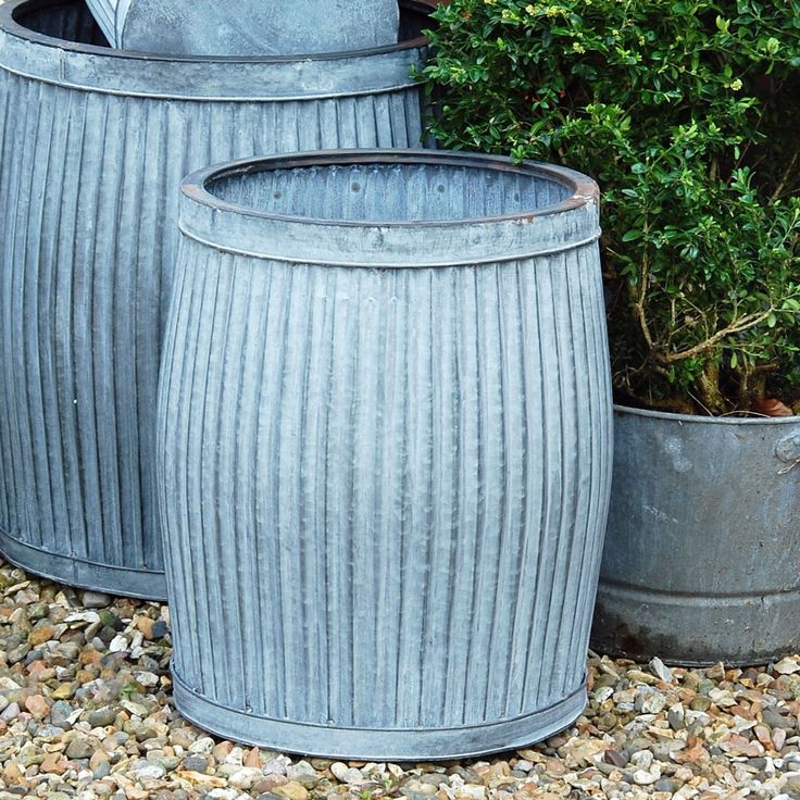 Bowley & Jackson Traditional vintage dolly tub zinc planter Bowley & Jackson