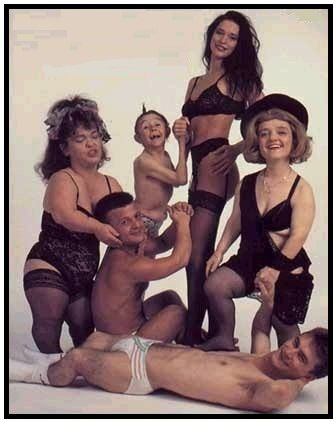 Awkward family photos... erm... I don't really know what to say...