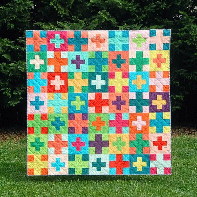 Plus Plus quilt by @meadowmistdesigns