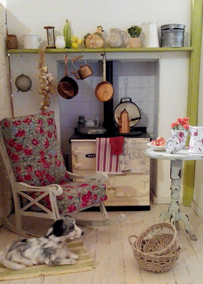868 best favorite miniature rooms images on Pinterest | Doll houses ...