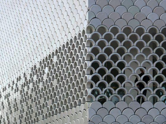 Der Ofen ist nicht aus: Renaissance der Keramikfassaden in der Architektur | Aktuelles