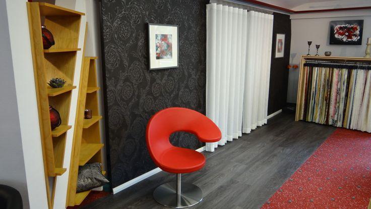 In unserem Showroom in Altenkunstadt können Sie die Wellenvorhänge ausprobieren. Schöner Wohnen mit Gardinen und Vorhängen von Trebes Raumausstattung.