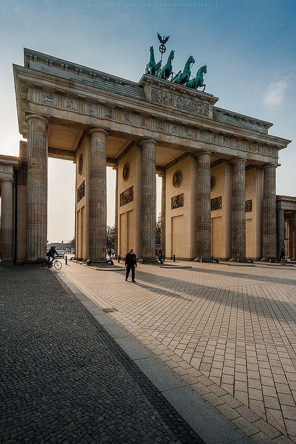 Das Brandenburger Tor in Berlin>> Berlin - Brandenburger Tor das bekannteste Denkmal