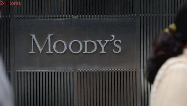 Moody's rebaja la nota de Chile ante débil crecimiento y aumento de la deuda del Gobierno
