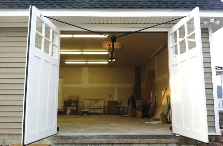 Roll Up Garage Door Ideas And Pics Of Garage Doors Sam S Club Garagedoors Garage Garageorgan Garage Doors Carriage House Garage Carriage House Garage Doors