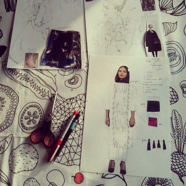 Sketching projects. Work in progress. #progress #project #projekt #projektowanie #design #sketch #sketching #szkicowanie #sylwetki #moda #praca #niełatwo #warzywa #vegetables #queenzoja #pomysły #art #rysunki #kolaż #burzamòzgu #homework #fashion #offfashion #fashiondesign #slowfashion