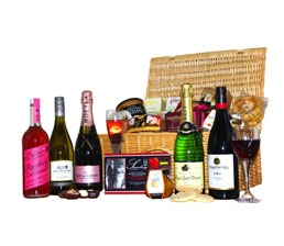 The Ultimate Wedding Day Hamper. Jam packed to the brim full of tasty goods for the newly weds. http://www.allthebesthampers.co.uk/product/561-the-windsor-hamper/